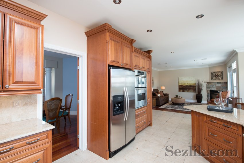 251 Côte-Royale Crescent-8