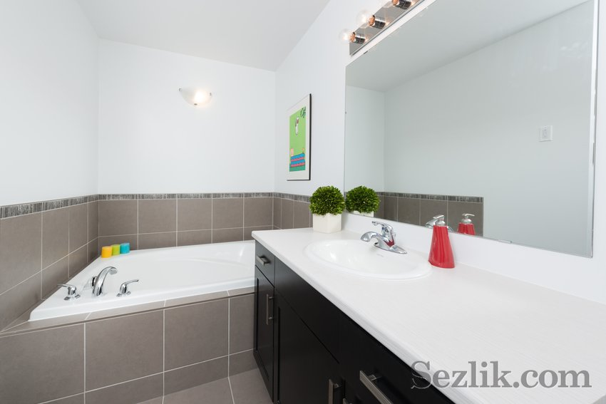 212 Pembina Private-7